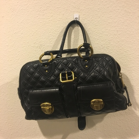 Marc Jacobs Handbags - Marc Jacobs black quilted purse